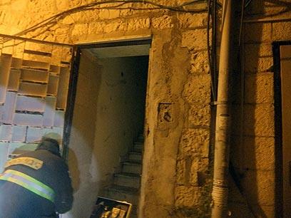 הכבאים השתלטו על האש בדירה שהוצתה  (צילום: שרותי כבאות והצלה ירושלים) (צילום: שרותי כבאות והצלה ירושלים)