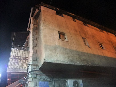 הכבאים חילצו את הזרים מהדירה (צילום: שרותי כבאות והצלה ירושלים) (צילום: שרותי כבאות והצלה ירושלים)