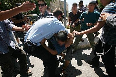 המהומות בירושלים בצהריים (צילום: גיל יוחנן)