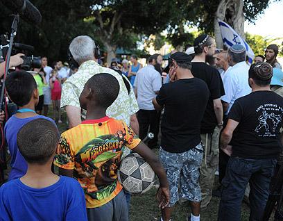 המשתתפים. לא נענו לקריאה להגיע בבגדי ספורט (צילום: ירון ברנר) (צילום: ירון ברנר)