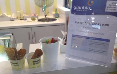 גם בגלידה. תוספי תזונה לא שגרתיים (צילום: טל לייזר) (צילום: טל לייזר)