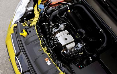 מנוע השנה של פורד: קטן בגודל, צנוע בנפח, לא חזק במיוחד אבל כן חסכוני ()