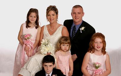 לא מקפחים אף אחד מבאי החתונה. הפעם מדריך לאם הכלה (צילום: shutterstock) (צילום: shutterstock)