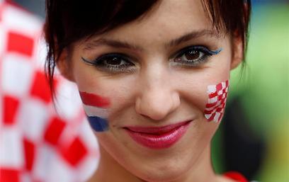 חיוך של מיליון יורו. עוד קרואטית יפה ביציעים (צילום: AP) (צילום: AP)