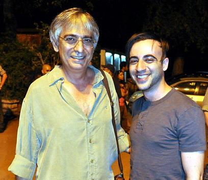 הלל מיטלפונקט יחד עם במאי ההפקה החדשה - דניאל אפרת (צילום: יוחנן הראל) (צילום: יוחנן הראל)