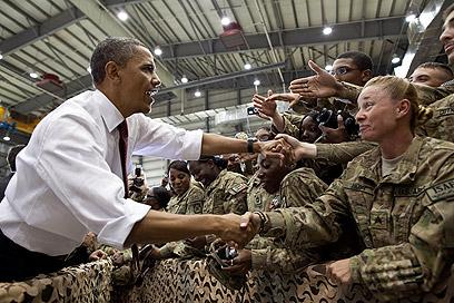החייל מספר 1. בפגישה עם חיילים אמריקנים בבסיס בגראם באפגניסטן (צילום: Official White House Photo by Pete Souza) (צילום: Official White House Photo by Pete Souza)