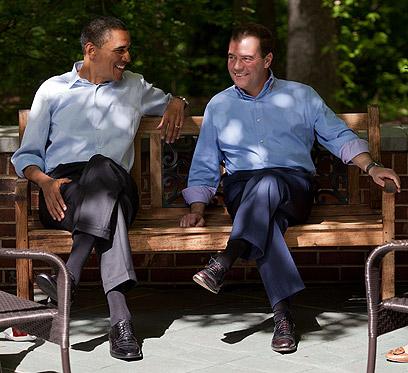 בארי ודימה. עם ראש ממשלת רוסיה דמיטרי מדבדב במהלך פסגת ה-G8 בקמפ דיוויד (צילום: Official White House Photo by Pete Souza) (צילום: Official White House Photo by Pete Souza)