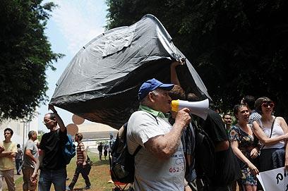 המפגינים חזרו לשדרה (צילום: ירון ברנר)