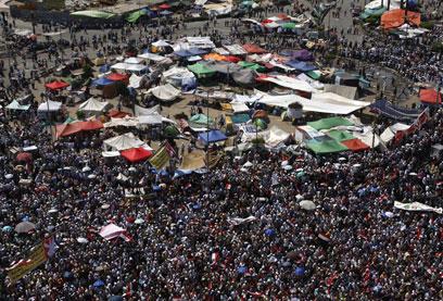 כיכר תחריר בקהיר, אחר הצהריים (צילום: EPA) (צילום: EPA)