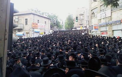 אלפי החרדים בעצרת (צילום: שמואל בן ישי, חדשות 24)