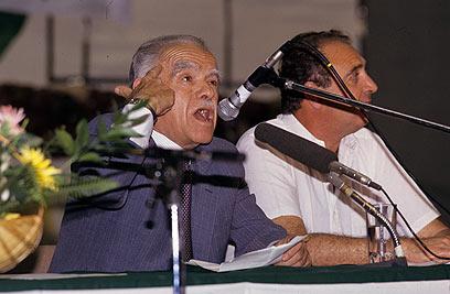 שמיר נפגש עם עולים, 1990 (צילום:  שאול גולן) (צילום:  שאול גולן)
