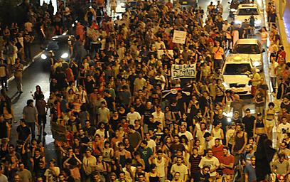 ההפגנה אתמול ליד הקריה בתל-אביב (צילום: בני דויטש) (צילום: בני דויטש)