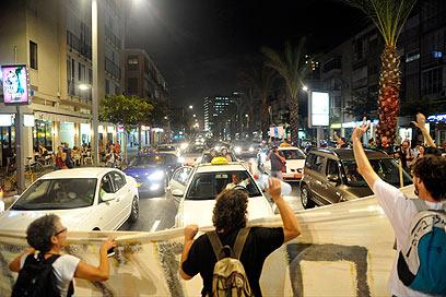 למחות נגד הממשלה שמעדיפה סקטורים ומזניחה את העתיד  (צילום: בני דויטש) (צילום: בני דויטש)