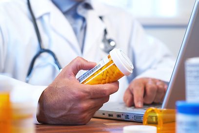 הרופאים לא רק ממליצים, הם משכנעים (צילום: shutterstock) (צילום: shutterstock)