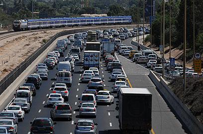 גוש-דן - לא השוק הכי גדול בישראל לרכב חדש (צילום: ירון ברנר) (צילום: ירון ברנר)