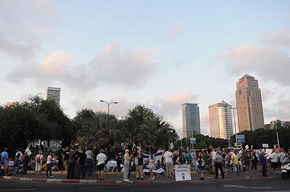 ליד מאהל הפראיירים בתל-אביב (צילום: ירון ברנר) (צילום: ירון ברנר)