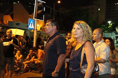 גבי אשכנזי ורעייתו, הערב בתל אביב (צילום: עופר עמרם) (צילום: עופר עמרם)