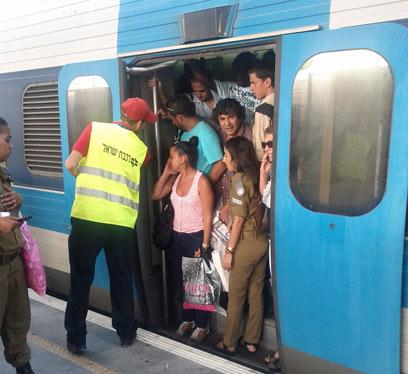העובדים יקבלו מענק, הנוסעים יגיעו בזמן?  (צילום: גיא הררי) (צילום: גיא הררי)