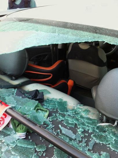 אחד מכלי הרכב שנפגעו