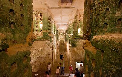 Columbarium cave in Beit Guvrin (Photo: Ron Peled)
