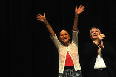 אישטוואן סאבו והלן מירן. בקרוב היצ'קוק (צילום: AFP) (צילום: AFP)