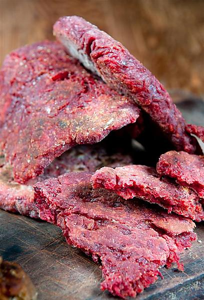 אדום עולה! לחם מחבת עם סלק (צילום: ירון ברנר) (צילום: ירון ברנר)