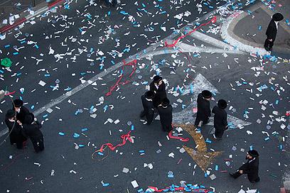 הפגנת חרדים נגד גיוס, אתמול בירושלים (צילום: AP)