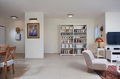 הבית, מראה מהכניסה (צילום: שי אפשטיין) (צילום: שי אפשטיין)