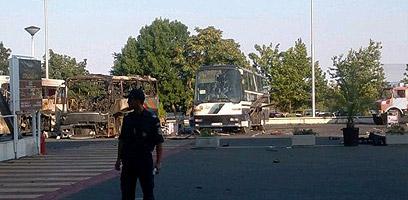 האוטובוס השרוף בשדה התעופה בבורגס ()