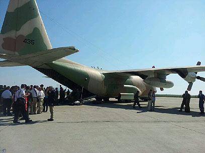מטוס הרקולס אחד כבר יצא בדרכו לישראל (צילום: כרמית ראובן) (צילום: כרמית ראובן)