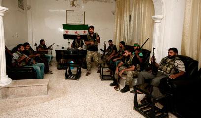 Syrian rebels (Photo: AP)