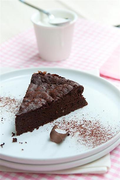 בלי רגשות אשם - עוגת שוקולד לייט (צילום: ירון ברנר) (צילום: ירון ברנר)