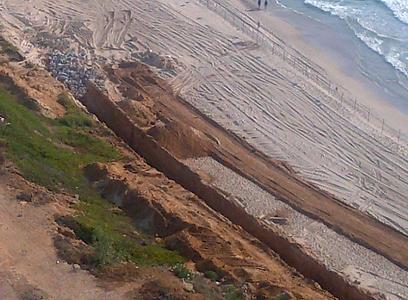 חוף זבולון בהרצליה ()
