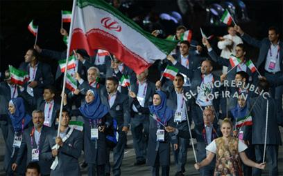 המשלחת האיראנית. לחבר'ה בטהרן הם נראו לא שמחים ()