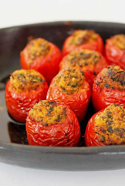 עגבניות תמר ממולאות (צילום: מיכל וקסמן) (צילום: מיכל וקסמן)