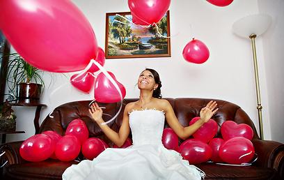 מה יותר נעים מלהתחתן בבית שלנו?  (צילום: shutterstock) (צילום: shutterstock)