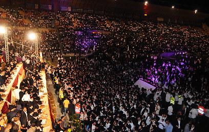 20 אלף צופים באיצטדיון (צילום: משה עזריאל) (צילום: משה עזריאל)