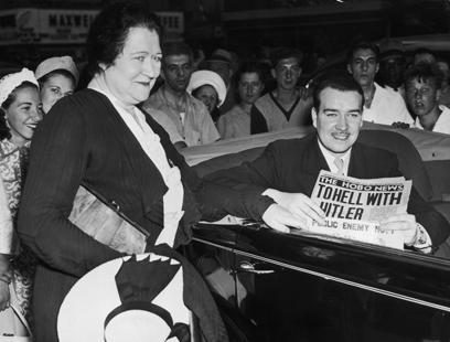 ביקש להצטרף למאבק נגד העריצות. ויליאם פטריק היטלר ואמו בריג'יד (צילום: gettyimages) (צילום: gettyimages)