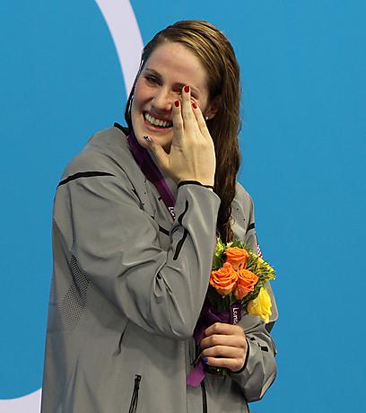 חמש מדליות, ארבע מהן בצבע זהב. מיסי פרנקלין דומעת (צילום: אורן אהרוני) (צילום: אורן אהרוני)