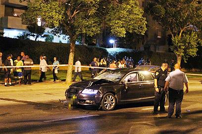 זירת התאונה בנתניה (צילום: עידו ארז) (צילום: עידו ארז)