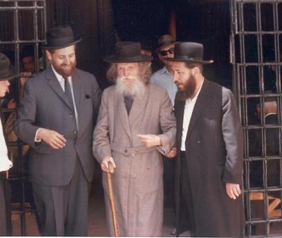 משאת חייו האמיתית של הנזיר, הייתה בכלל החיפוש אחר הנבואה. אך בדרכו לשם, הפיק הגות יהודית מרתקת (צילום: מכון נזר דוד) (צילום: מכון נזר דוד)