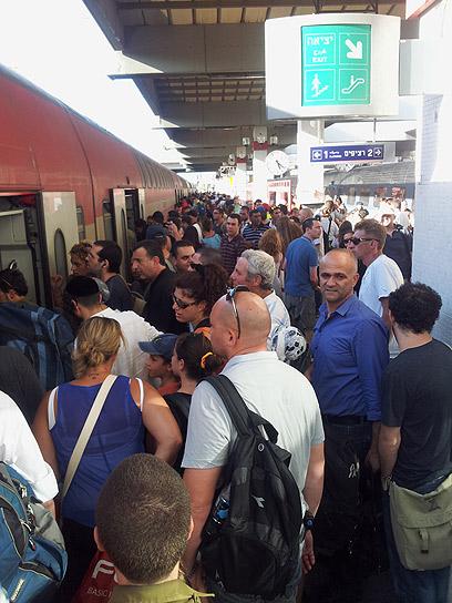 רכבת יוצאת מנקודה א' באיחור של 50 דקות, מתי תגיע ליעדה? (צילום: אסף מאירי )