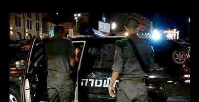 אזור מסוכן. שוטרים במרכז ירושלים (צילום:  אלי מנדלבאום) (צילום:  אלי מנדלבאום)