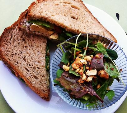 יחסית בריאותי. סנדוויץ' פריטטה (צילום: לחמנינה) (צילום: לחמנינה)