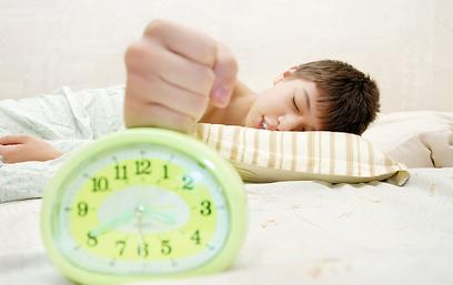 רוצים לשפר את שגרת הבוקר? הכינו לו טבלה (צילום: shutterstock) (צילום: shutterstock)
