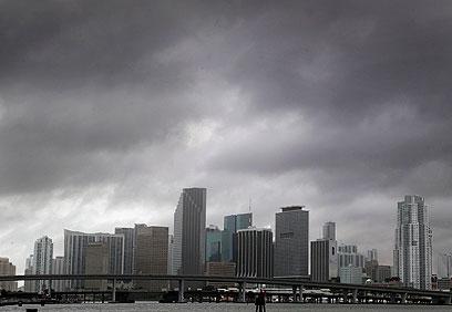 שמיים קודרים מעל פלורידה (צילום: MCT) (צילום: MCT)