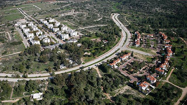 חריש. תוך שנה נרשמה עלייה של35% במחירי הדירות החדשות (צילום: Lowshot.com ) (צילום: Lowshot.com )