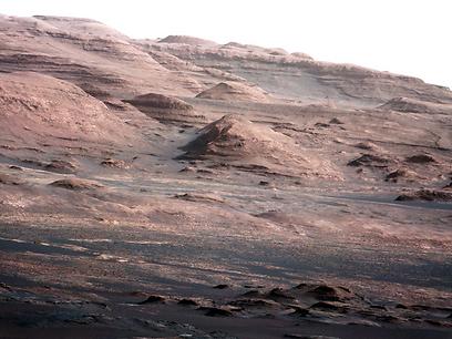 נאחז באוויר, בלי חמצן (צילום: NASA) (צילום: NASA)