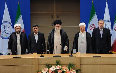 """מנהיגי איראן. """"על העובדות אי אפשר להתווכח, השואה היא האירוע המתועד ביותר"""" (צילום: AFP) (צילום: AFP)"""