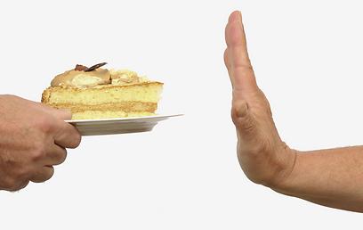 הניתוח לא מתאים לאנשים שאוכלים הרבה מתוקים (צילום: shutterstock) (צילום: shutterstock)